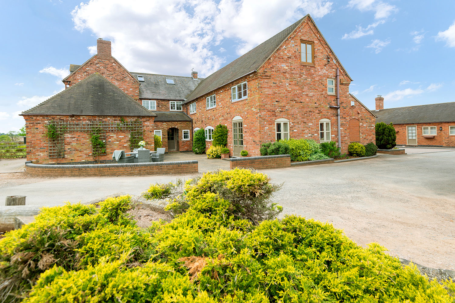 Holiday cottages and venue for team-building, parties and more | Upper Rectory Farm Cottages
