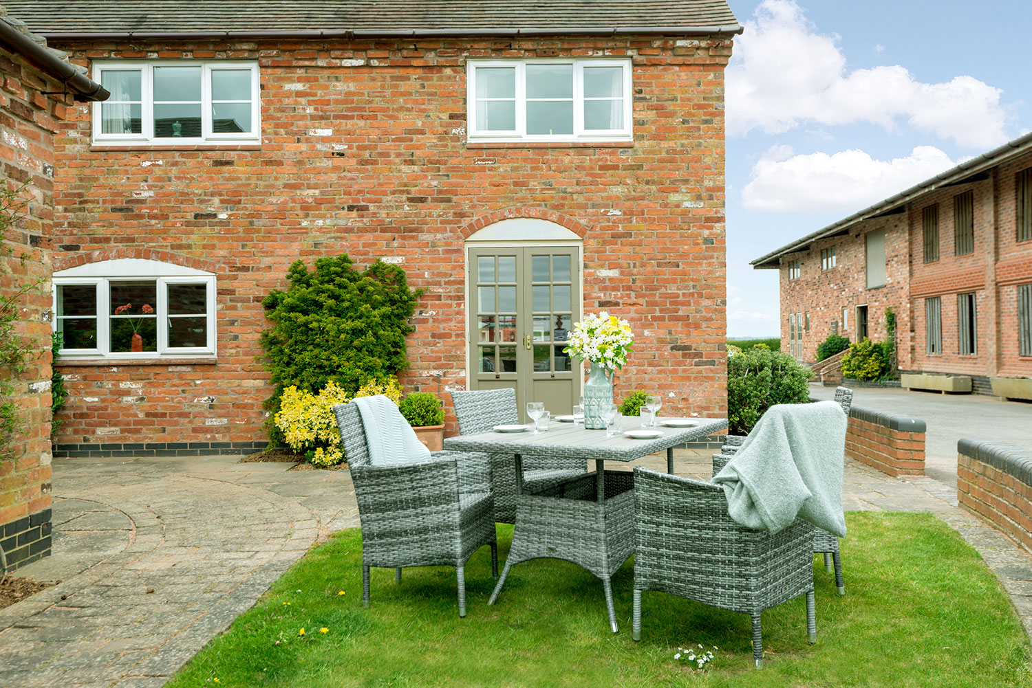 Holiday cottages with private outside area in central England | Upper Rectory Farm Cottages