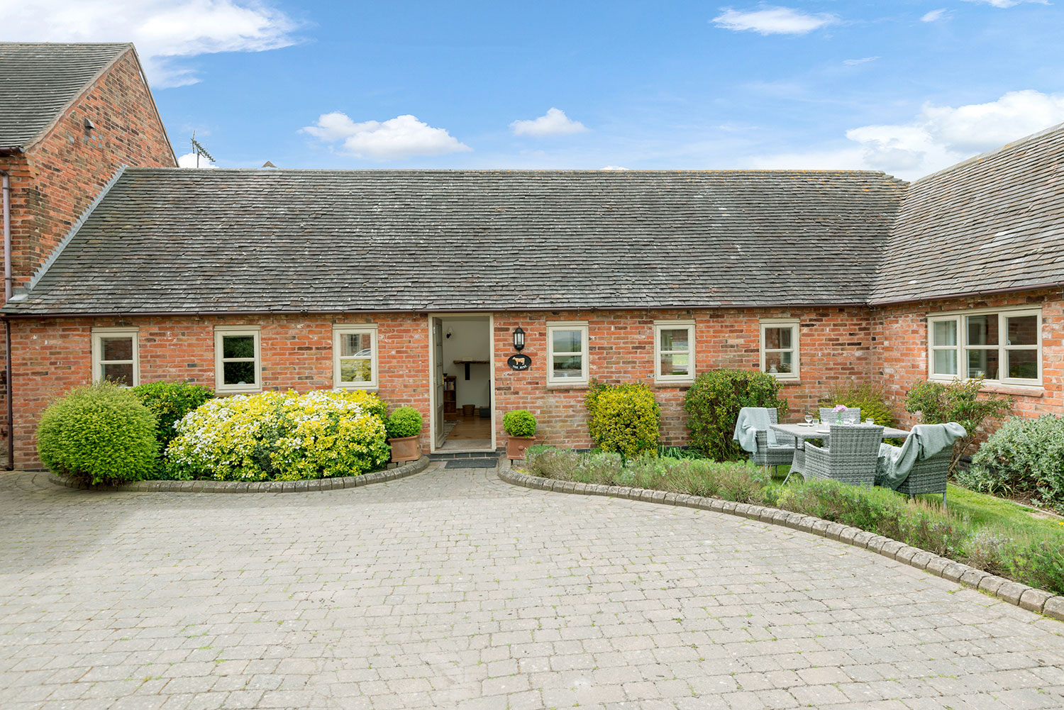 Fully accessible self-catering cottages in Leicestershire   Upper Rectory Farm Cottages