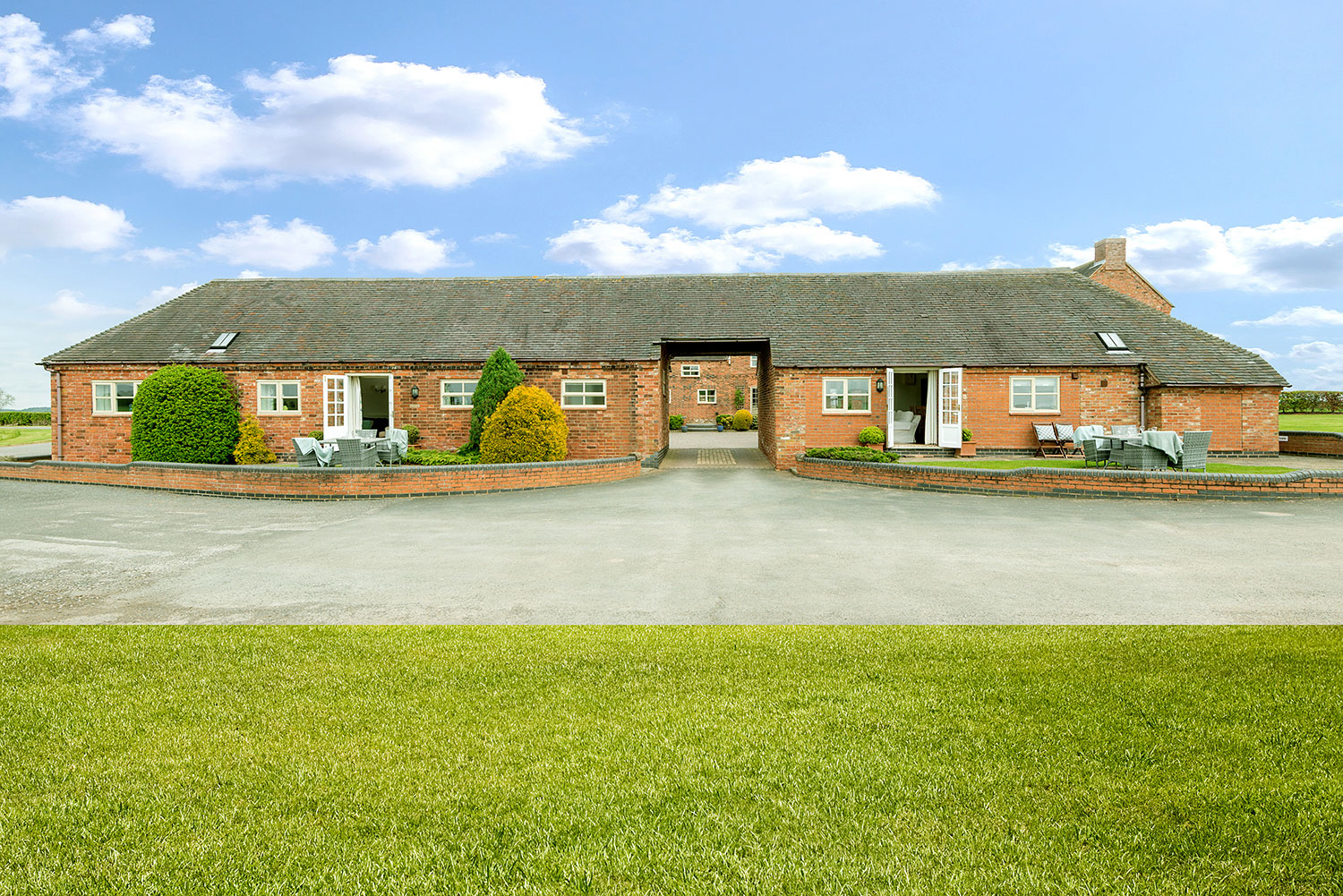 Mid week breaks, weekends away and family holidays at Upper Rectory Farm Cottages