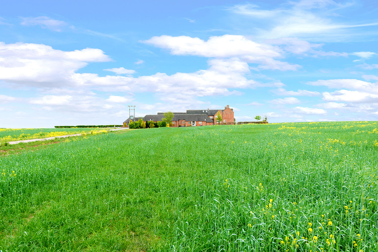 Holiday accommodation set in the rolling cornfields of Leicestershire | Upper Rectory Farm Cottages