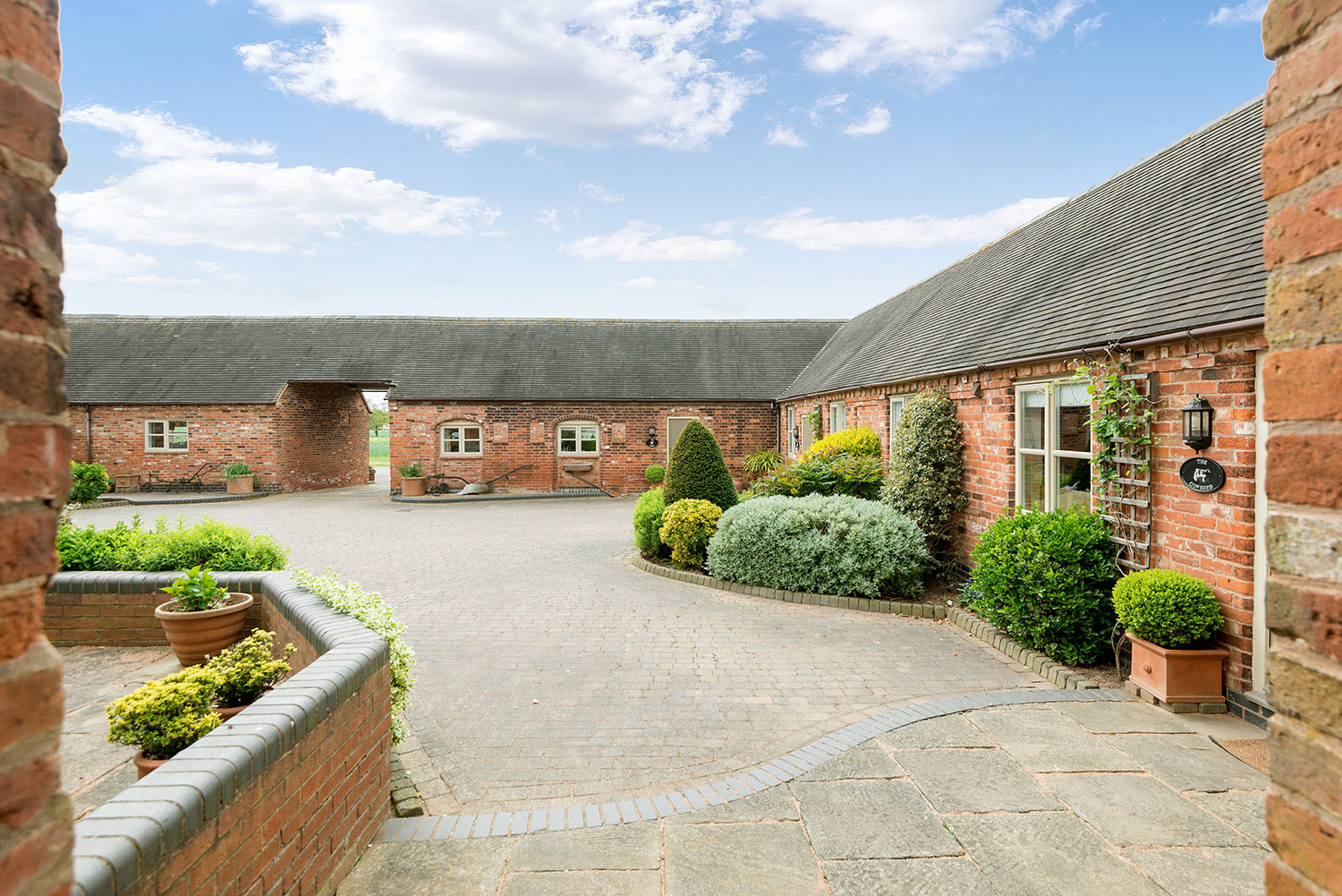 A warm welcome at our luxury holiday accommodation | Upper Rectory Farm Cottages