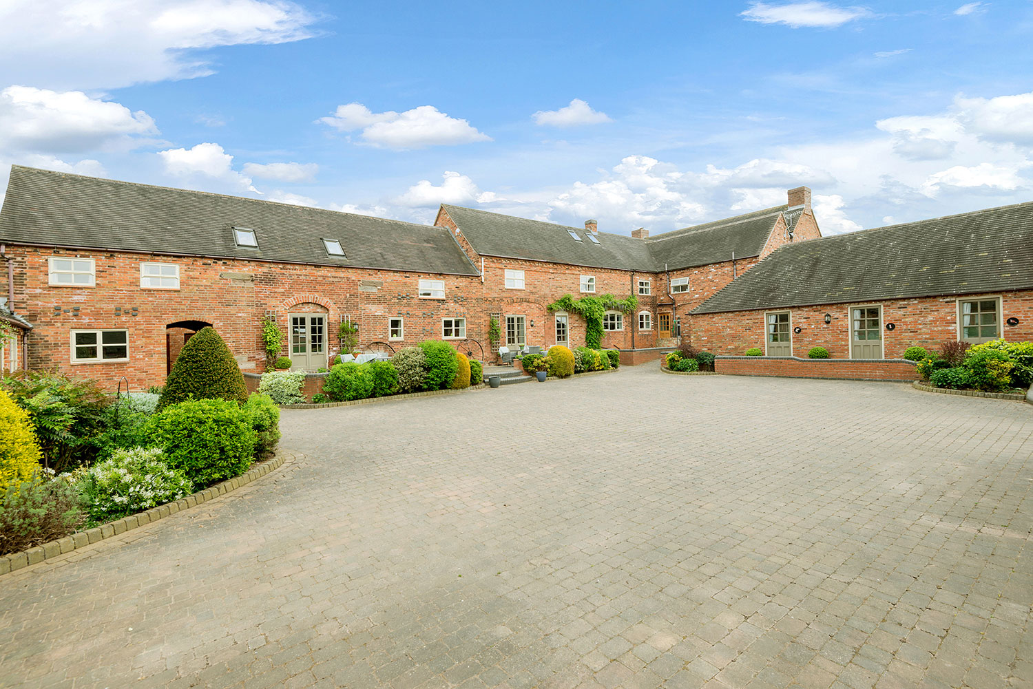 Holiday cottages and events venue in central UK | Upper Rectory Farm Cottages