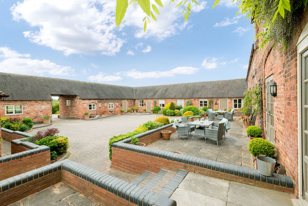 Holiday accommodation perfect for group bookings in central UK | Upper Rectory Farm Cottages