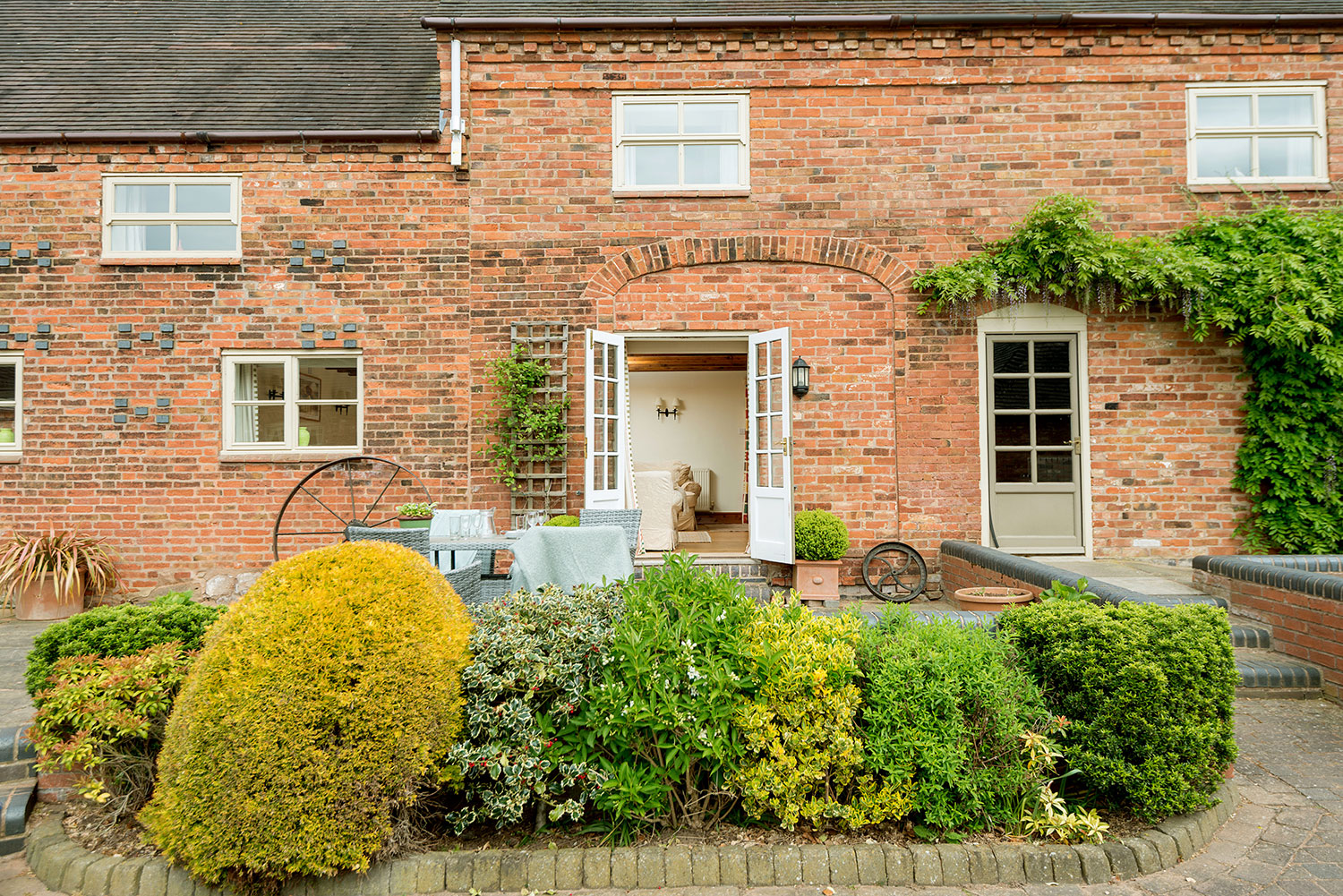 Award-winning luxury holiday cottages in the heart of England | Upper Rectory Farm Cottages