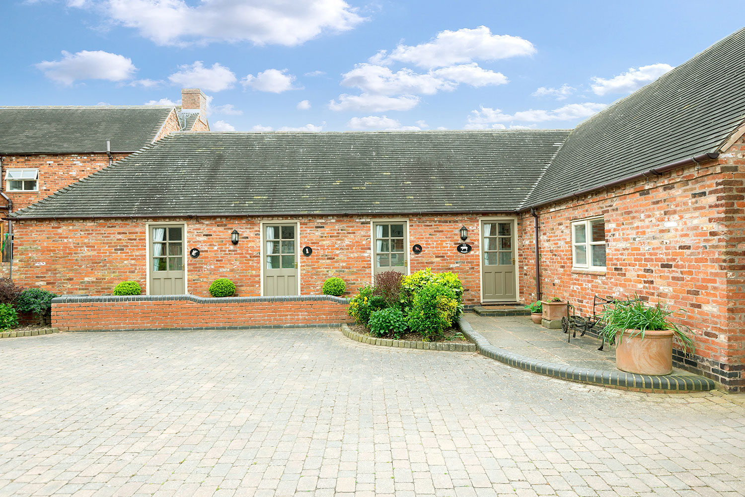 The Piggery, luxury holiday cottage in central UK   Upper Rectory Farm Cottages